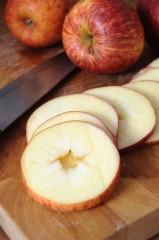 りんご 皮 栄養